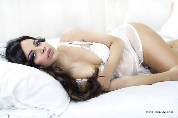 appealing lady in lingerie (1)