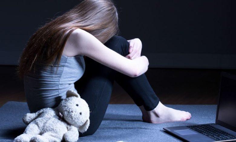 molested-girl