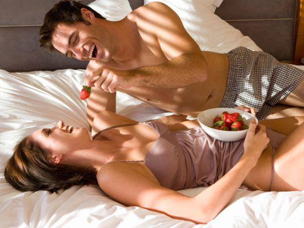 Eating food games before having sex