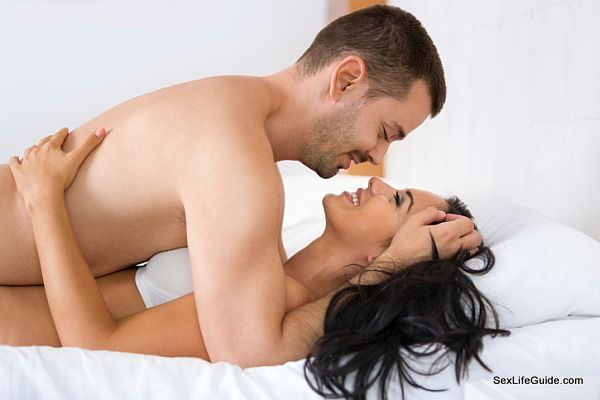 stimulating her U-spot (4)
